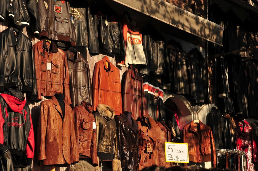 Buying Leather in the Grand Bazaar – Inside tips from storeowners